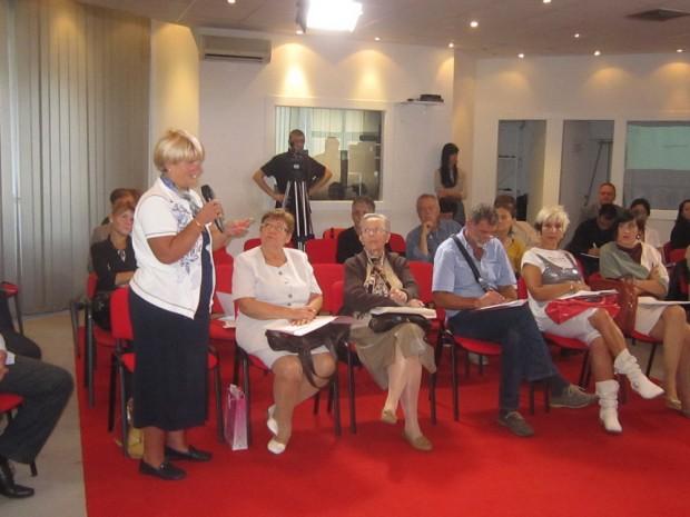 dr. DJerdji Saric  Snezana S. Milojevic, Dragan Trivun  na seminaru ,,Kako unaprediti rad udruzenja pacijenata i povecati vidljivost njihovih aktivnosti